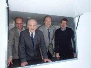 Kuntorastivaunun hankeryhmä Vesa Vainio, Reijo Pajuoja, Eero Mattila ja Jarmo Riivari avasivat jo kioskin.