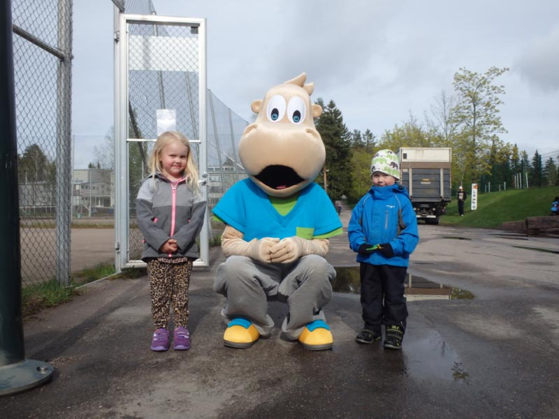 Ella Tuviala ja Niklas Huuhka ovat kesyttäneet Hipon.