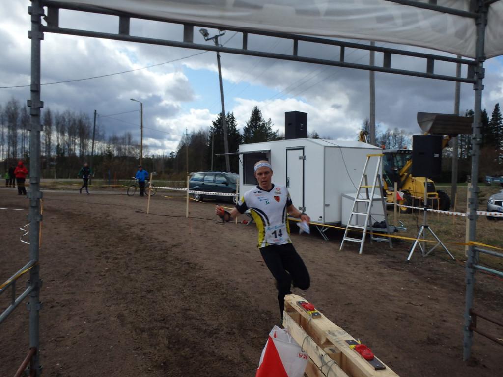 Jani Lakasen tulo maalileimaukseen näytti, että kilpailuvauhdilla ollaan liikkeellä.