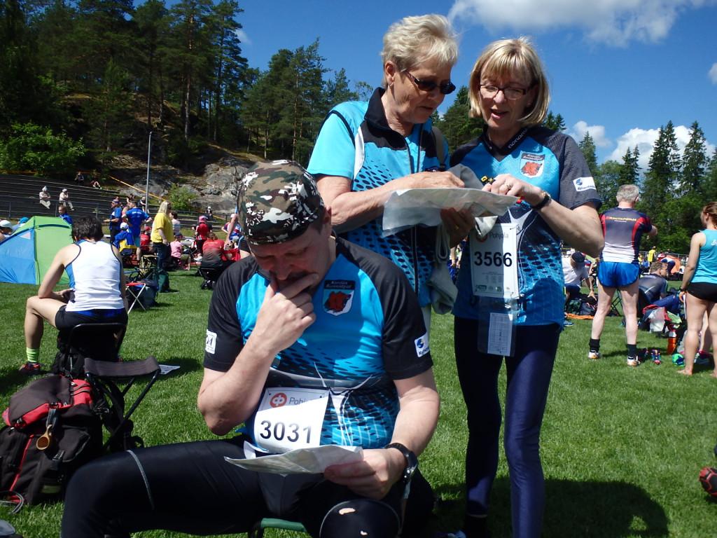 Puheenjohtaja Mikko Kekki oli kooässäläisten keulahahmo kirjaimellisesti. Hän starttasi porukasta ensimmäisenä ja tuli myös maaliin ensimmäisenä. Spekulaatioihin osallistuvat myös Paula Kyyrönen ja Päivi Kekki.