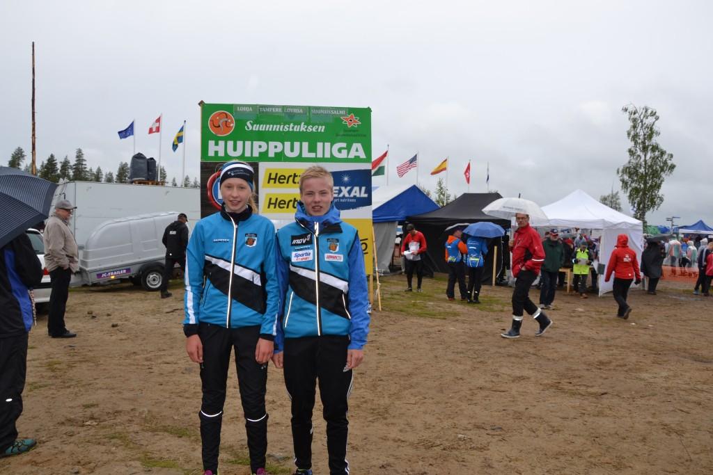Huippuliiga kyltti taustana on ihan paikallaan näille KRV:n 16E-sarjojen voittajille Henna Pylvänäiselle ja Niklas Heikkilälle. Kummankin viikko sujui nousujohteisesti ja voitto ratkesi vasta jahtilähdössä.