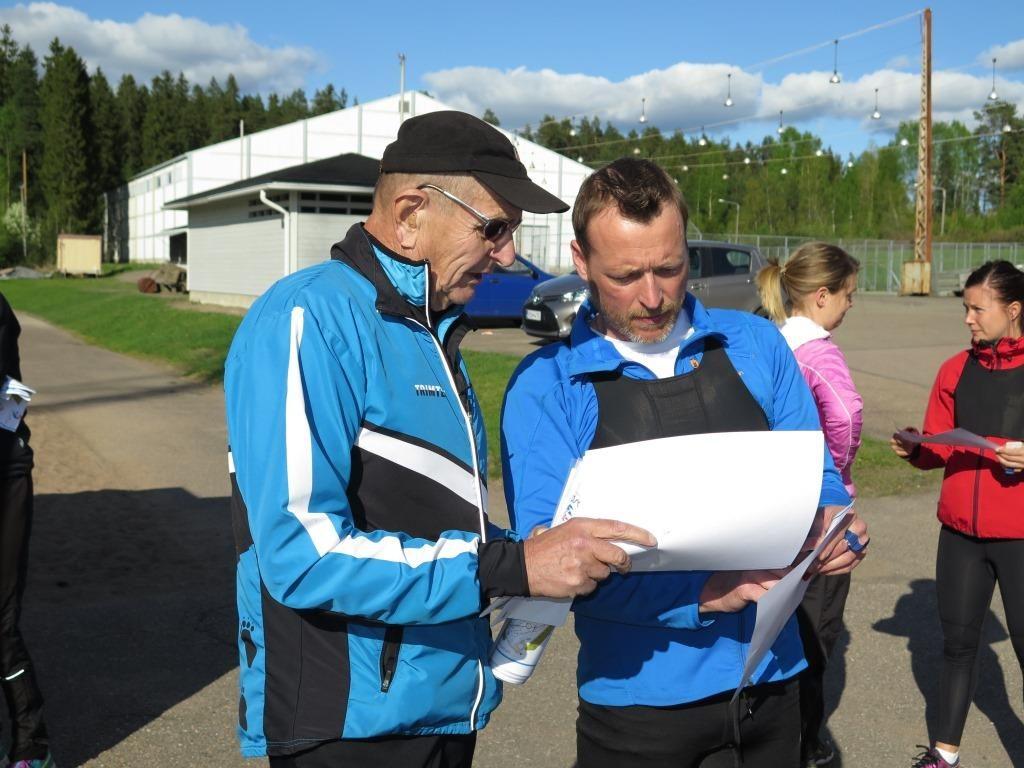 """Jannelle opastus sprinttikartasta vei melkein loppuun asti: """"luulin osaavani ysirastille jo ilman karttaa ja sitten oltiinkin jo hukassa"""""""
