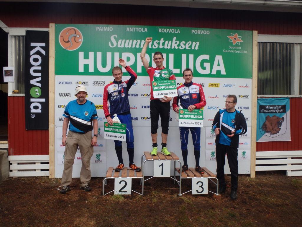 Miesten palkitut Fredrik Portin, PR, Olav Lundanes, Halden ja Magne Daehli, Halden. Palkinnot jakoivat MikkoKekki ja Urpo Särkkä.