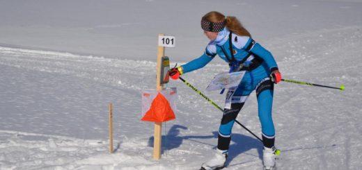 Liisa Peltosella sujuu suunnistus myös talvikelissä. Luminen kuva on viime talvelta, vaikka nytkin lunta Ensilumen rasteilla taisi olla liikaakin.